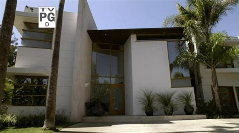 Modern Family House by And Gloria S House From Quot Modern Family Quot Iamnotastalker