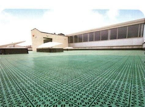 guaina per terrazzi calpestabile una piastra modulare in plastica versatile calpestabile