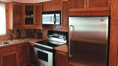 fabrication armoire cuisine la fabrication d armoires de cuisine r 233 novation bricolage