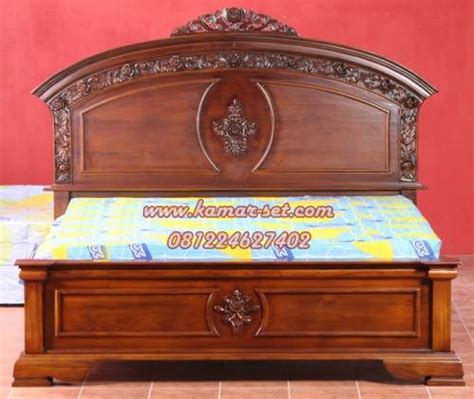 Tempat Tidur Kayu Jati Ukiran harga tempat tidur ukiran jepara model simple mewah