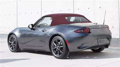 you mazda you can order a 2018 mazda miata with a red top finally