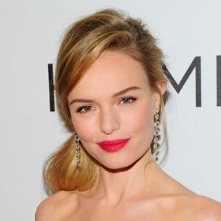 Best Hairstyles For Big Foreheads by 13 Best Hairstyles For Big Foreheads