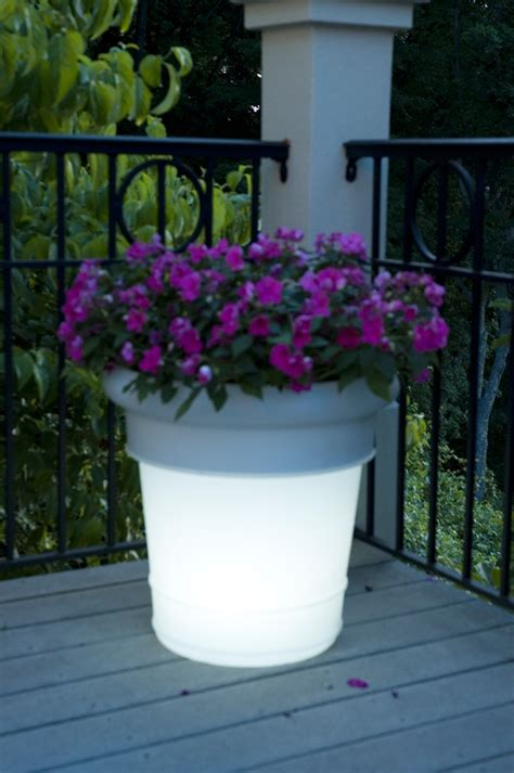 Lighted Planters by Gardenglo Lighted Planter