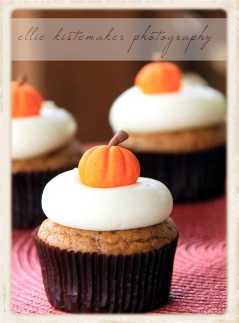 Cream Cheese Frosting Ina Garten by Pumpkin Cupcakes With Maple Cream Cheese Icing Sweetopia
