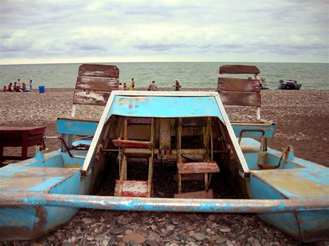 paddle boats history file paddle boat in the black sea jpg wikimedia commons