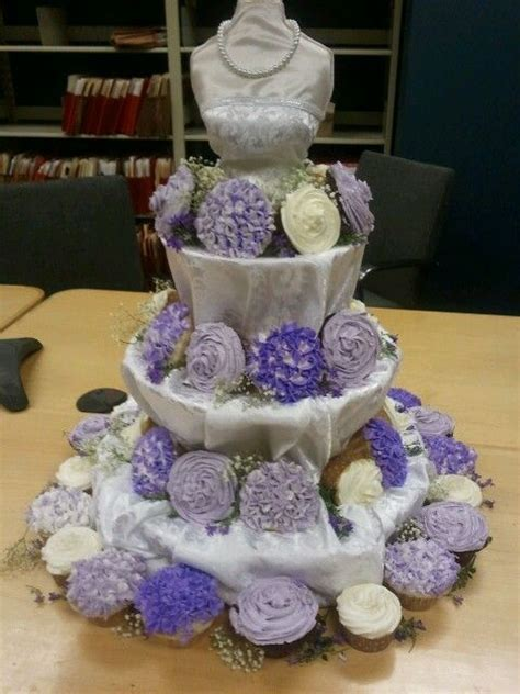cupcakes ideas for bridal showers 2 bridal dress cupcake stand s wedding shower at work cupcake stand figura con cupcake