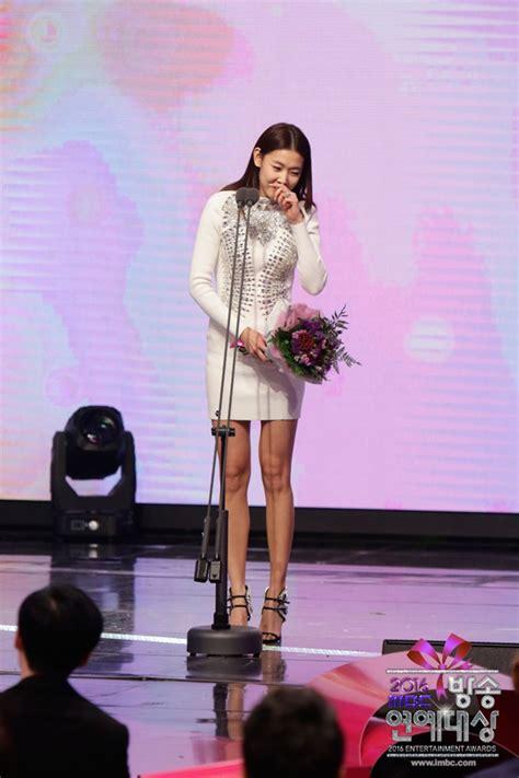 hadiri syukuran sinetronnya alwi assegaf ingin pemeran foto han hye jin raih piala popularity award foto 12 dari 57