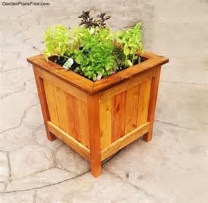 building planter boxes diy cedar planter box free garden plans how to build