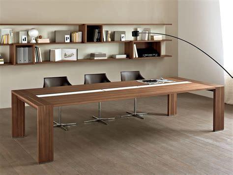 tavolo per riunioni tavolo in legno per sala riunione con canaletta passacavi