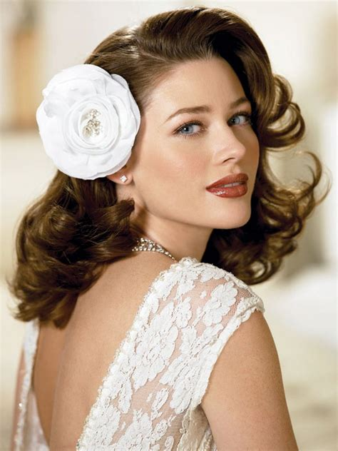Wedding Hairstyles For Medium Length Hair Curly by Medium Length Glamorous Curly Hairstyle For Wedding