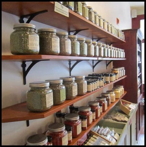 Store Shelf Display by 25 Best Ideas About Retail Display Shelves On