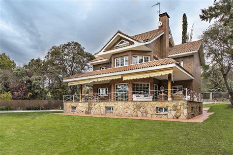 imagenes de casas con jardines grandes casa muy grande con piscina privada y jardin lujo s 243 lo
