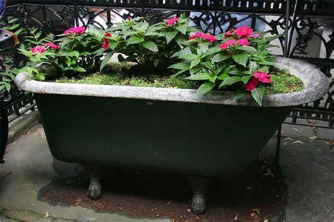 bathtub planter quirky and cute planter using a bath tub