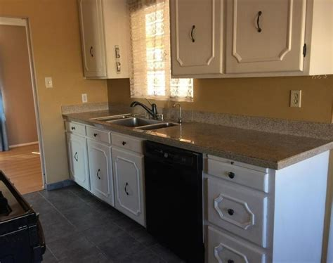 cabinets with handles in the middle ugly house photos 187 other us cities
