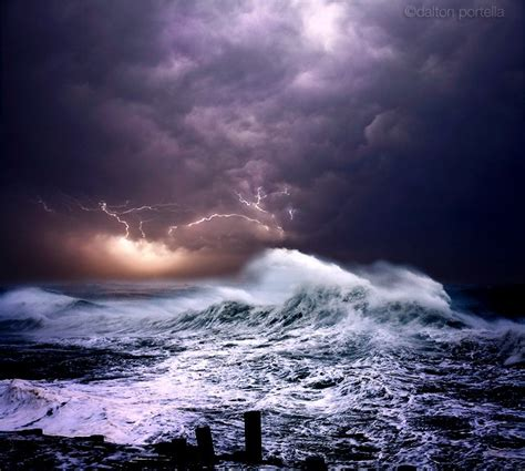 Powerful Ocean Storm Pictures from Dalton Portella ? Cube Breaker