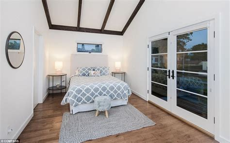 rihanna s bedroom rihanna sells her plush west hollywood home for 2
