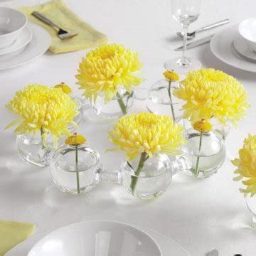 inexpensive bridal shower centerpiece ideas inexpensive centerpieces budget weddings