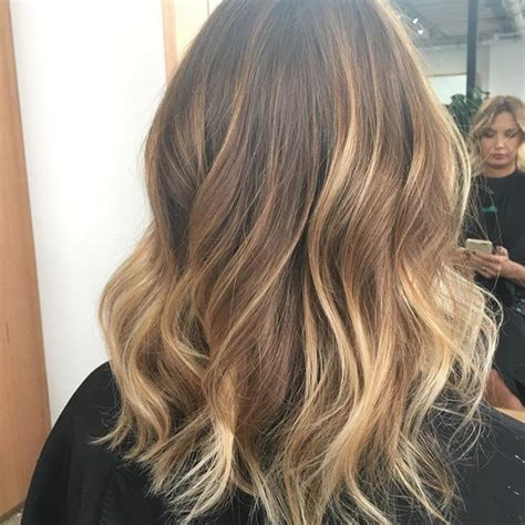 sun kissed hair color best 25 sun kissed hair ideas on sunkissed