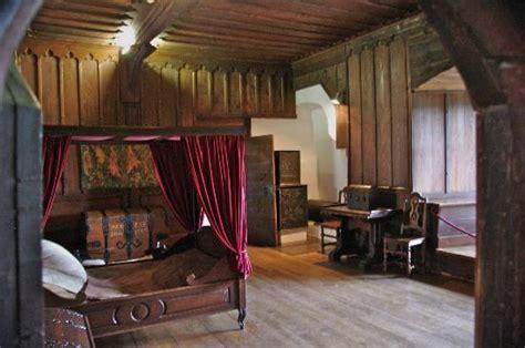 Romantic Master Bedroom Ideas schlafraum kemenate beheizbar ofen rechts in der ecke