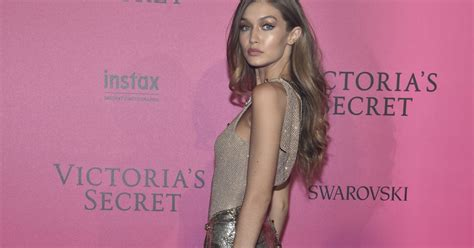 Articles Fashion Secrets In Places by Gigi Hadid No S Secret Fashion Show 2016 Festa