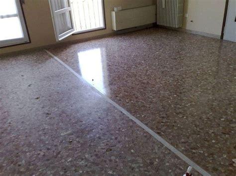 come pulire pavimento in marmo cera per pavimenti in marmo come pulire tutta sulla