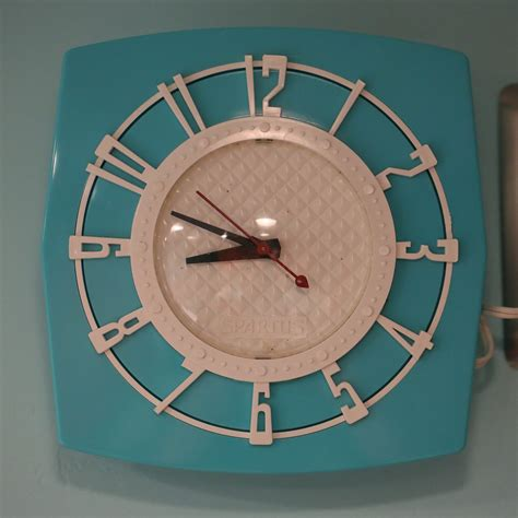 amazing wall clocks 331 amazing photos of vintage wall clocks retro renovation