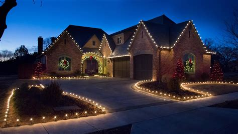 do you love hanging christmas lights