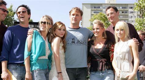 fuller house episodes full house revived on netflix as 13 episode series fuller house news
