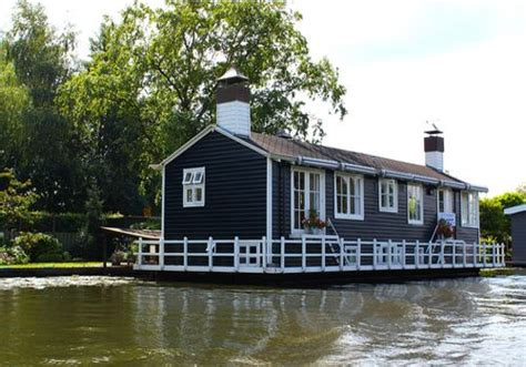 houseboats to live in houseboat small homes and sheds to live in pinterest