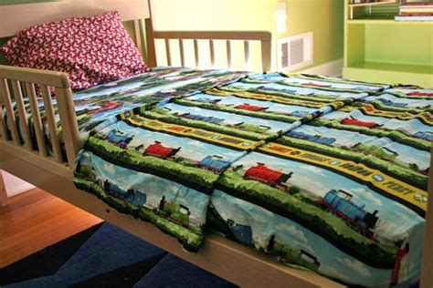 thomas and friends bedding thomas and friends toddler bedding set fitsneaker com
