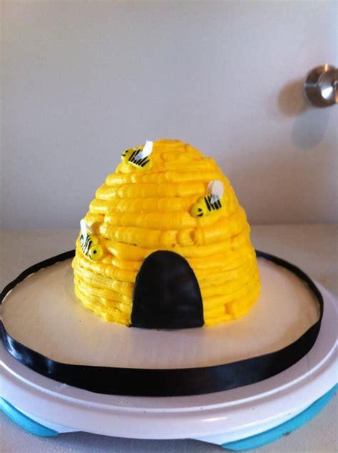 beehive smash cake cakes