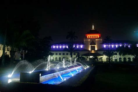 Lu Led Philips Di Bandung gedung sate bandung di malam hari outbound bandung