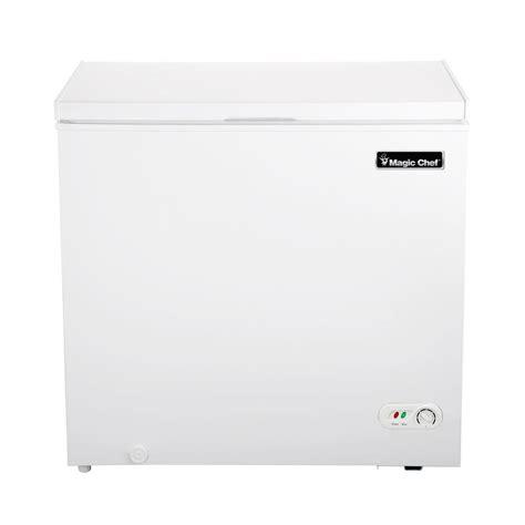 magic chef 6 9 cu ft chest freezer in white hmcf7w2