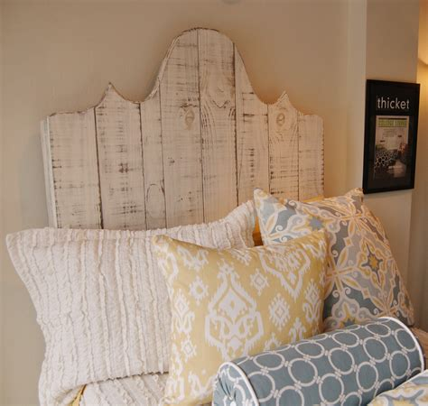 diy headboard dorm dorm room headboard 28 images best 20 dorm room