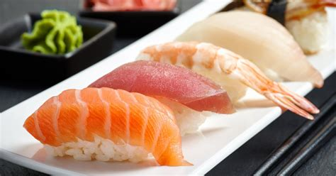 membuat takoyaki tanpa cetakan inilah cara praktis membuat sushi dengan cetakan es batu