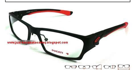 Kacamata Oakley Tincan Hitam Ducati Polarized 1 images kacamata oakley scalpel ducati