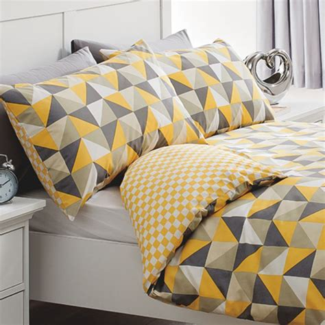 Duvet Covers That Keep You Cool by Best 25 Geometric Bedding Ideas That You Will Like On