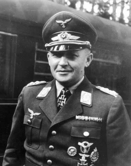 Perang Dunia Kedua: Jerman Datang Membantu Itali Di Balkan