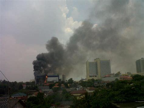 detiknews depok ini penakan kebakaran di margo city depok