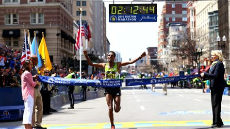 the marathon we live for a personal best in with type 1 diabetes books live the best moments from the 2016 boston marathon