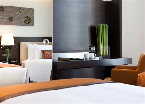 2 bedroom suites in bangkok silom hotels bangkok anantara sathorn two bedroom suites