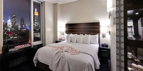 new york bedroom set ameublement beaubien magasin de king bed rooms hospitality interior design with cityview