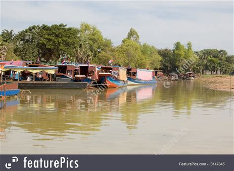 southeast asia pleasure boats tonle sap lake cambodia - Siem Reap Floating Village Boat Price
