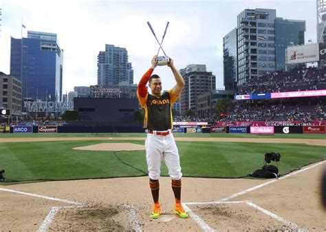 marlins giancarlo stanton wins home run derby hits 61