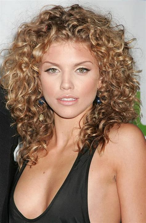 haircuts for curly hair layers 111 best layered haircuts for all hair types 2017