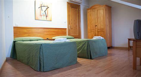habitaciones con dos camas habitaci 243 n doble con dos camas