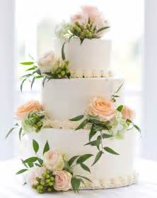 cake flower decorations wedding cakes 20 ways to decorate with fresh flowers
