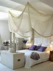 baldachin bett 33 erstaunliche wei 223 e himmelbett designs f 252 r ihr schlafzimmer