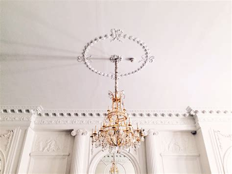 Song Chandelier The Song Chandelier Sia Chandelier Lyricart Song Lyrics Quotes And Facts Chandelier By Sia