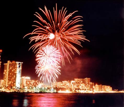 new year parade oahu 2015 start 2016 with a waikiki new year s fireworks